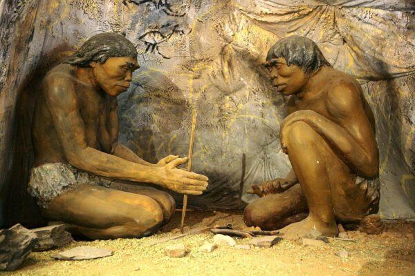 ▲鑽木取火(圖片來源:維基百科)